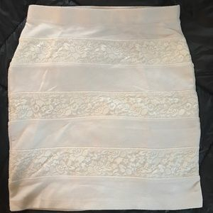WORN ONCE super cute lace pencil skirt!